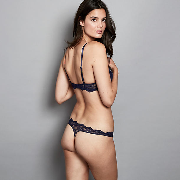 Journelle Anais Thong